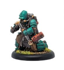 Crucible Guard Mechanic  Crucible Guard Solo (metal/resin)